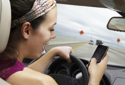 МТС и ГАИ проводят совместную акцию для водителей и раздают Bluetooth-гарнитуры